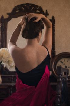 Интерпретация   картины Джоана Марти «Девушка со спины»