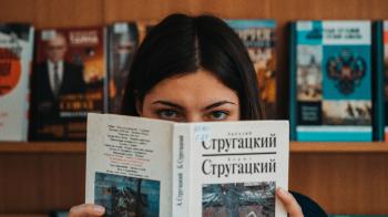 Слушайте, книги, а вы знаете, что вас больше, чем людей
